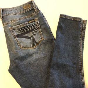 NWOT Seven7 Size 4 Stretch Skinny Jeans
